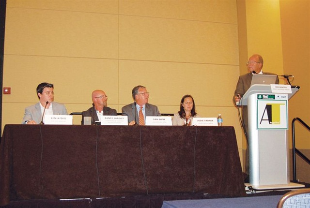 Mike Antich of Automotive Fleet magazine (podium) moderated the session on driver distractions which included (l-r) Ken Latzko of The CEI Group, Randy Shadley of Corporate Claims Management, Dan Shive of LeasePlan USA, and Jodie Varner of Fleet Response.