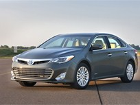 2013 Toyota Avalon to Offer Gasoline and Hybrid Powertrain Choices