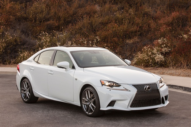 Photo of 2016 IS 300 AWD F-Sport courtesy of Lexus.