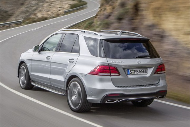 Mercedes benz to offer diesel c class in 2016 news for Mercedes benz financial report 2016