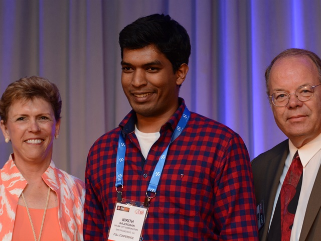 (l. to r.) Pam Sederholm, executive director of AALA; Nikith Rajendran; and Mike Antich, editor of Automotive Fleet. Photo by Jim Park.