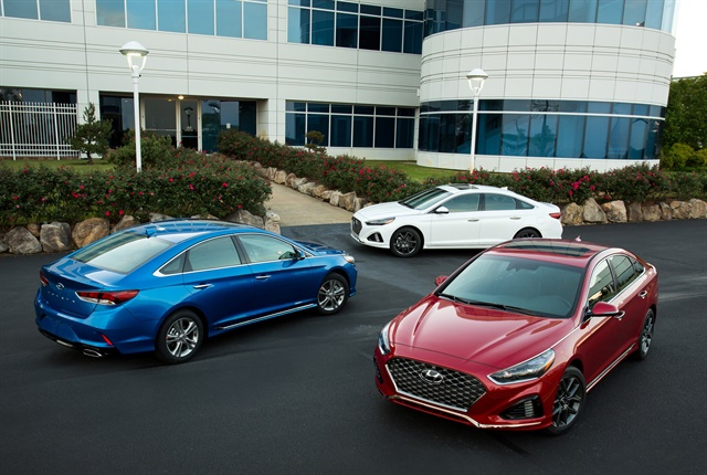Photo of trio of 2018 Sonata sedans courtesy of Hyundai.