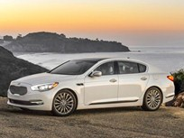 Kia K900 Sedan Gets Three-Year Maintenance Warranty