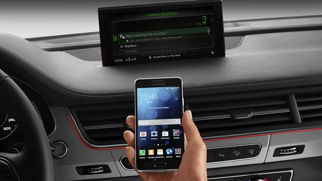 2017 Q7 Audi connect plus smartphone pairing. Photo courtesy of Audi.
