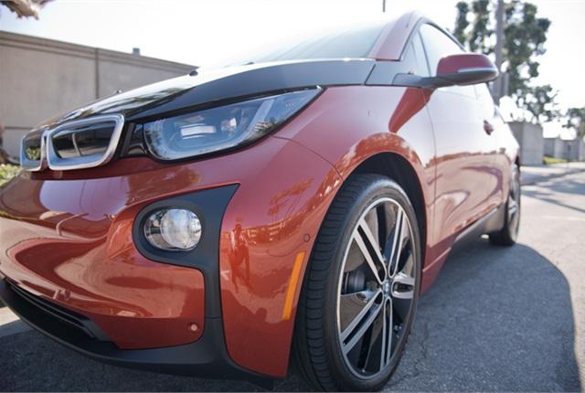 Photo of 2014 BMW i3 BEV by Vince Taroc.